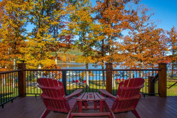 Deck in Fall at Suites at Silver Tree