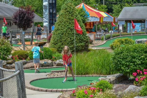 Mini Golf at Deep Creek Lake